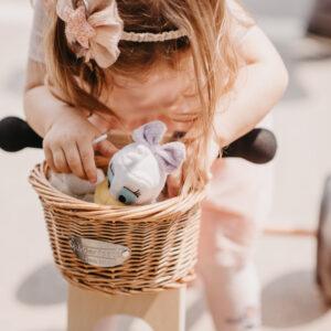 Kinderfeets pletena korpa za bicikl v1