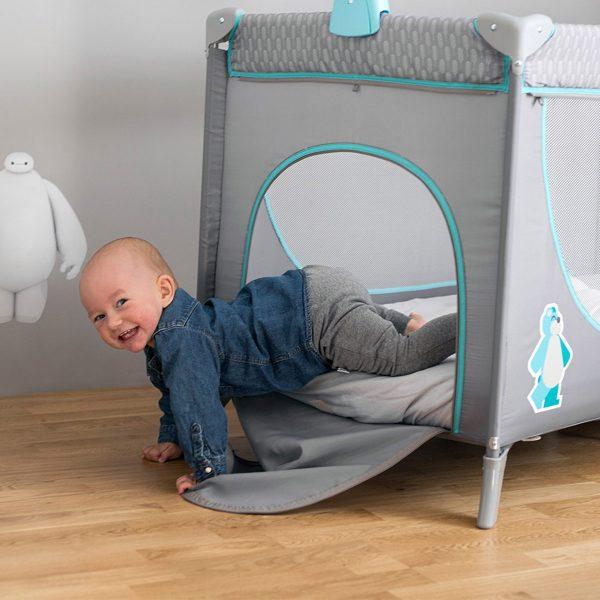 Kindekraft sklopivi prenosivi krevetac JOY, plavi, sa otvorom za igranje